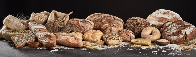 Deurstickers Bakkerij Panoramic banner with rustic bread