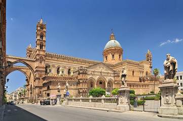 Photo sur Aluminium Palerme Palermo Cathedral is the cathedral church of the Roman Catholic Archdiocese of Palermo located in Palermo Sicily southern Italy.