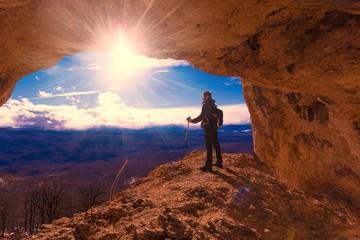 Zelfklevend Fotobehang Diepbruine A man in mainsails and caves, sunset