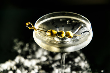 Cocktail vodka Martini vermouth James bond.