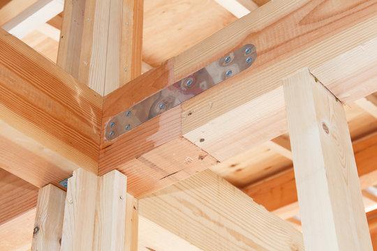 木造住宅 金具