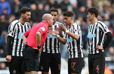 Premier League - Newcastle United v Everton