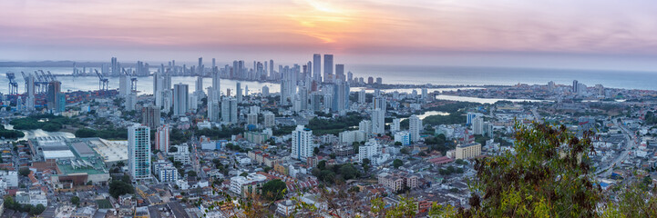 Cartagena Skyline Kolumbien Panorama Colombia Stadt Meer Abend Sonnenuntergang Hochhäuser