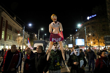 Anti-government protesters refuse to leave streets of Belgrade