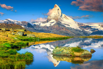 Wall Mural - Morning view with Matterhorn peak and Stellisee lake, Valais, Switzerland
