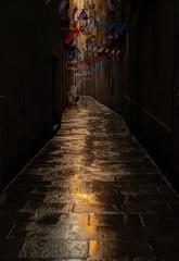 Calle de Baercelona decorada para celebrar uns fiesta