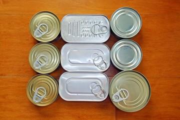 Obraz Bodegón de latas de conservas. - fototapety do salonu