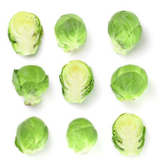 Photo sur Plexiglas Bruxelles Brussels sprouts isolated on white background closeup. Top view. Flat lay. Set or collection