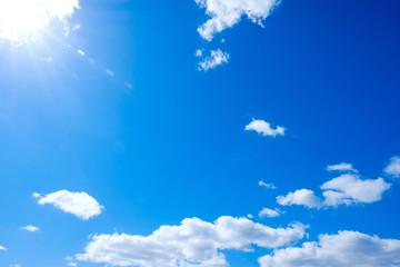 【写真素材】 青空 空 雲 冬の空 背景 背景素材 1月 コピースペース