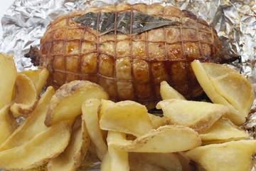 patata fritta mista di fast food e arrosto di vitello
