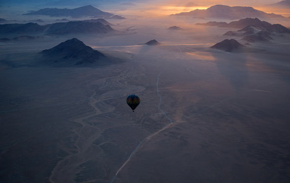 Balloon safari in Sossusvlei desert, Namibia