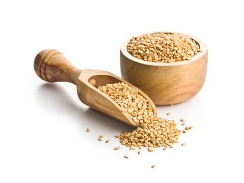 Roasted sesame seeds.