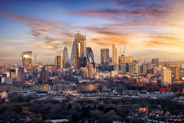 Fotomurales - Panorama der City of London, Finanzztentrum Großbritanniens, bei Sonnenaufgang