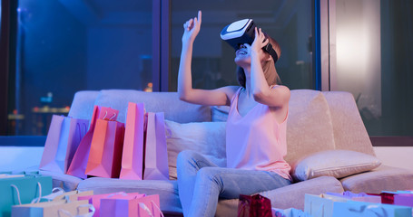 woman shopping with VR headset