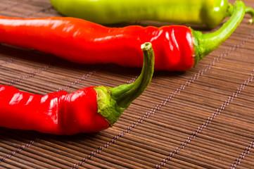 een kleurrijke mix van de meest verse en heetste chilipepers