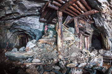 Abandoned underground mine for the extraction of minerals