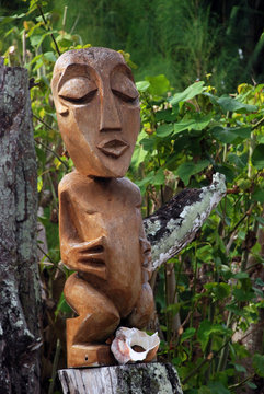 Wooden sculpture in Polynesian style