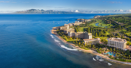 Wall Mural - Maui resorts with ocean