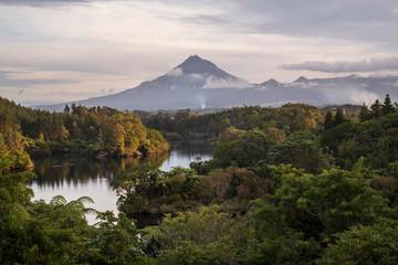 Volcano Mount Taranaki in Egmont National Park, New Zealand 2 Fototapete