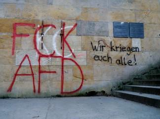 Graffiti an Betonwand