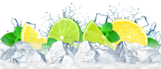 lime and lemon with splash of water and ice cubes isolated on white Fototapete
