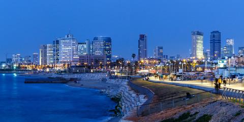 Tel Aviv Skyline Panorama Israel blaue Stunde Stadt Meer Hochhäuser