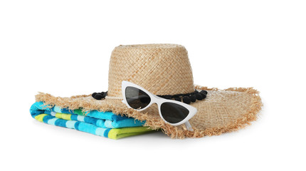 Photo sur Plexiglas Plage Set of different beach accessories isolated on white
