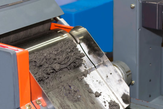 close up magnetic separator of machine for separate ferrous and nonferrous material