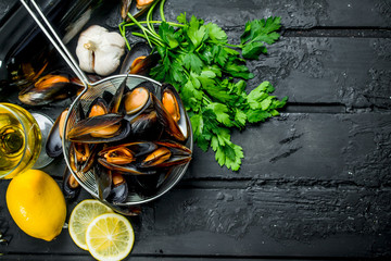 Fresh seafood clams with white wine and parsley.