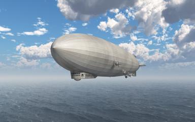 Luftschiff über dem Meer