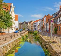 Wismar Altstadt mit Bach