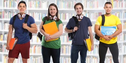 Gruppe von Studenten Studium Ausbildung Banner Bücherei Bibliothek jung lachen Jugendliche