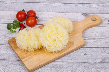 Raw rice noodle