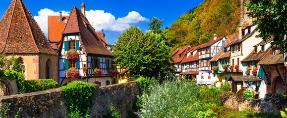 Fototapete - Kaysersberg  - one of the most beautiful villages of France, Alsace region- famous vine route