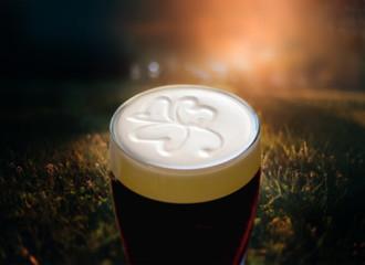 Obraz Famous black Irish stout - fototapety do salonu