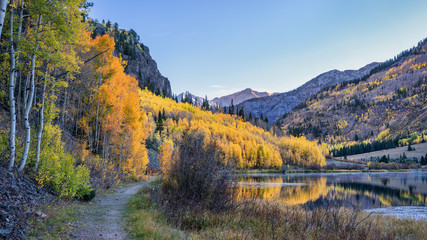 Alpine Trail - Autumn sunrise at Crystal Lake - Million Dollar Highway - Colorado