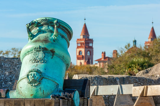 Spanish bronze alloy mortar from Castillo de San Marcos overlooking Flagler college in historic Saint Augustine, Florida, USA