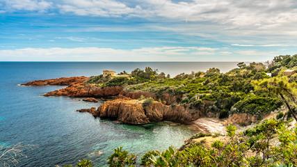 Foto auf Acrylglas Küste red rocks coast Cote d Azur near Cannes, France
