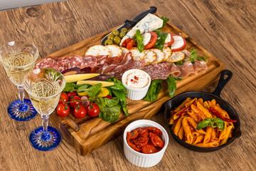 チーズ&ワイン&ハムのオードブル Ham and cheese and wine