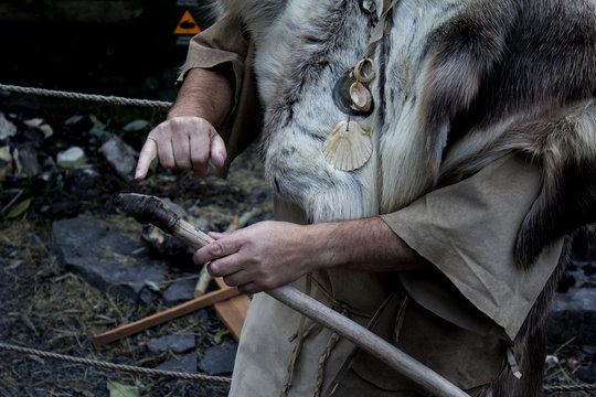 Bushcraft spear making demostration