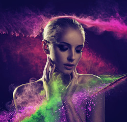 Poster Artist KB Pretty blond lady covered with colorful powder