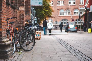 Photo sur Aluminium Velo Bicycles parked on the streets of Copenhagen.