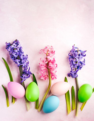Spring Easter background with flowers and decoration eggs