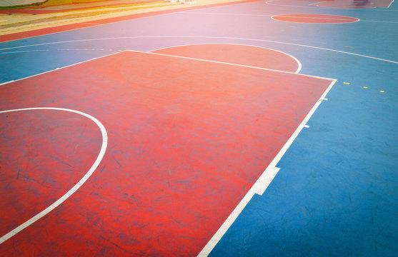 basketball court sport outdoor public park / Streetball