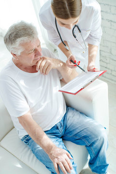 Elderly man at the doctor
