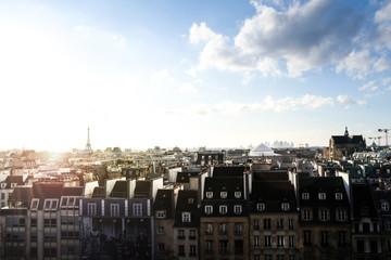 Paris von oben, Skyline und Eifelturm beim Sonnenuntergang