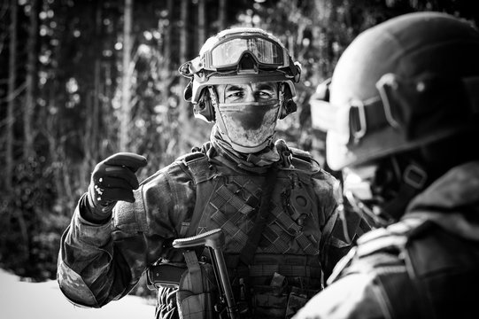 The commander of the special forces makes a briefing before the operation.