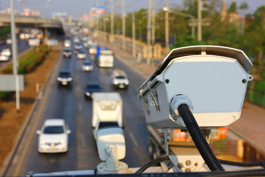 traffic cctv is working transfer imformation to traffic control on highway
