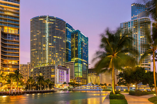 Miami Downtown, Brickell Key at Night
