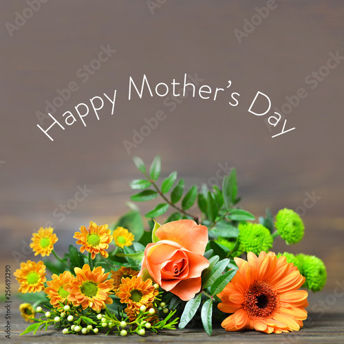 Happy Mothers Day card with bunch of flowers